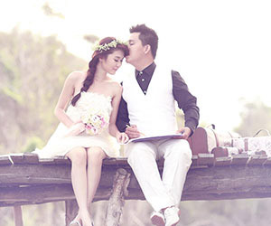 10 cách tạo dáng chụp hình cưới cực lãng mạn