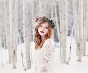 18 kiểu vòng hoa đội đầu cho cô dâu mùa đông (P.1)
