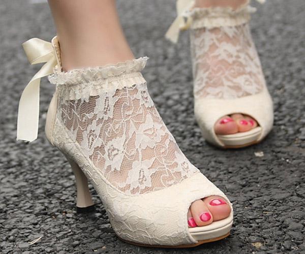 5 kiểu giày cưới dành cho cô dâu mùa đông
