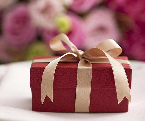 Gợi ý 10 món quà cưới ý nghĩa dành cho các cặp đôi