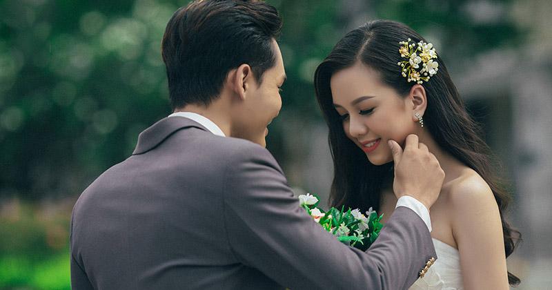 Những kiểu tóc đẹp cho cô dâu thích sự mộc mạc giản dị