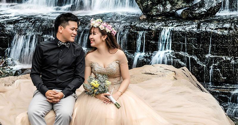 4 mẫu tóc cưới kết hợp hoa tươi đươc các cô dâu yêu thích