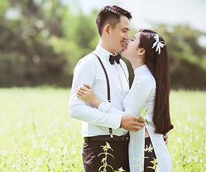 Ảnh cưới mộc mạc bình dị của sông nước miền Tây