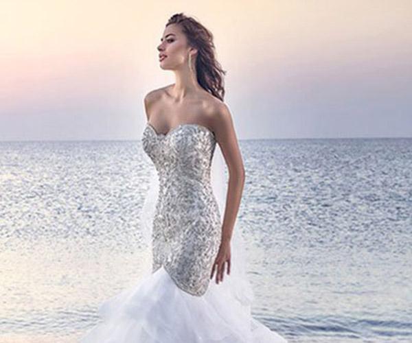 Áo cưới cổ tim cho cô dâu vẻ ngoài quyến rũ
