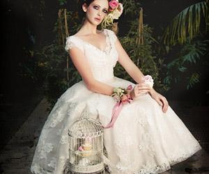 Áo cưới ngắn trẻ trung