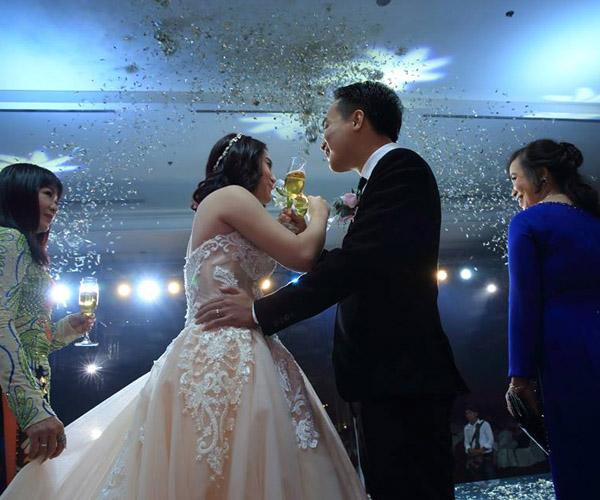 Cảm xúc chân thật: Giá trị của phóng sự cưới
