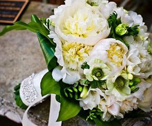 Chọn hoa cưới theo tháng