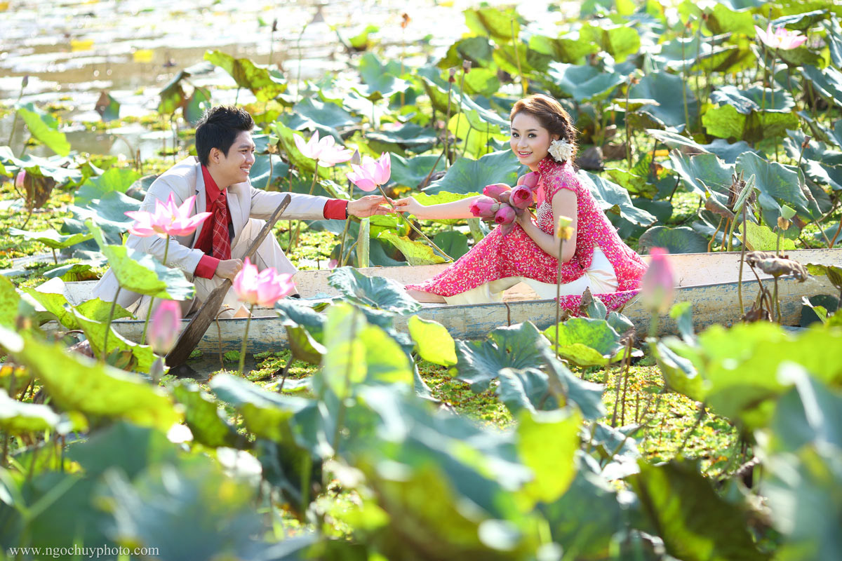 Chụp hình cưới đẹp ở vườn hoa