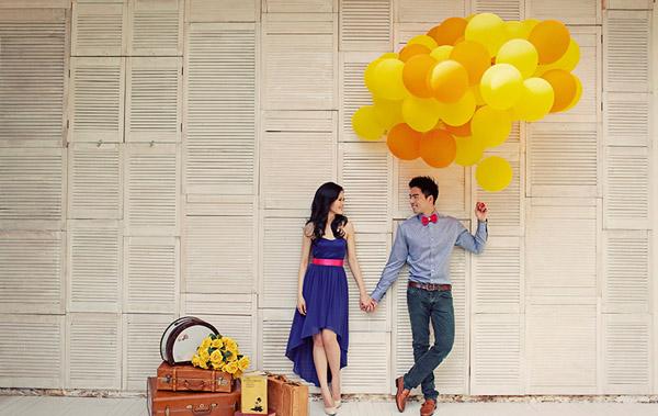 Chụp hình cưới với bóng bay
