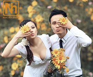 Gói ưu đãi lớn từ Ngọc Huy Studio - Chụp ảnh cưới với mùa hoa dã quỳ
