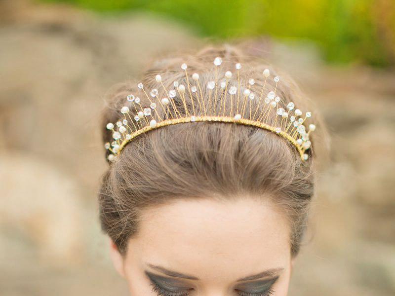 Cô dâu hóa thân thành công chúa với vương miện sang trọng quý phái
