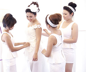 Gợi ý chọn áo cưới rẻ đẹp