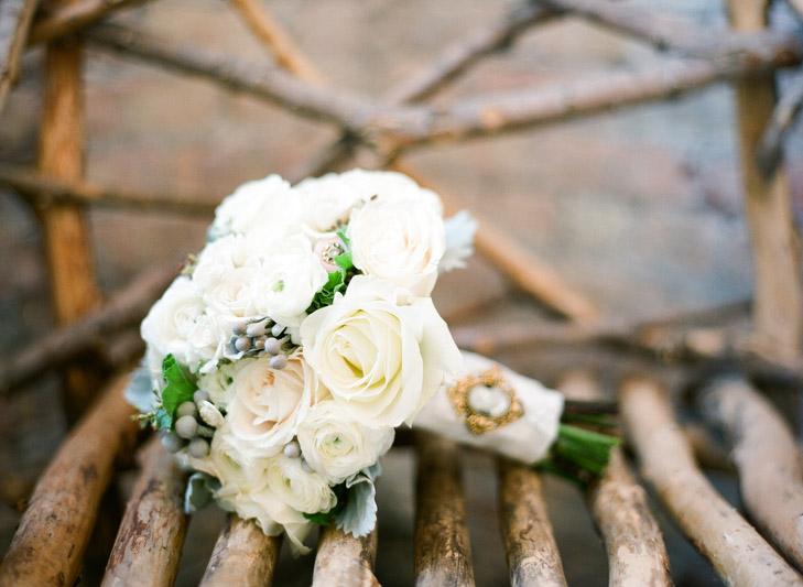 Hoa cưới trắng - Điểm nhấn hoàn hảo cho tiệc cưới xuân hè