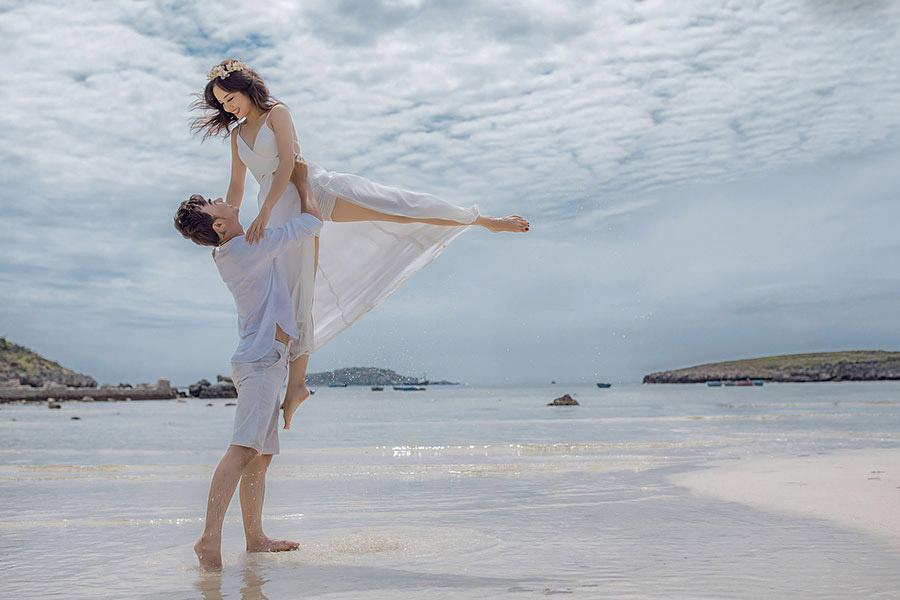 Album cưới ngoại cảnh biển