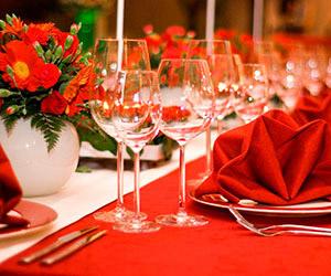 Mẹo giúp tiết kiệm chi phí khi tổ chức tiệc cưới trọn gói