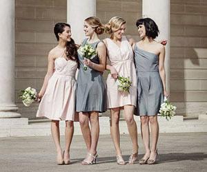 Những mẫu váy phù dâu đơn giản