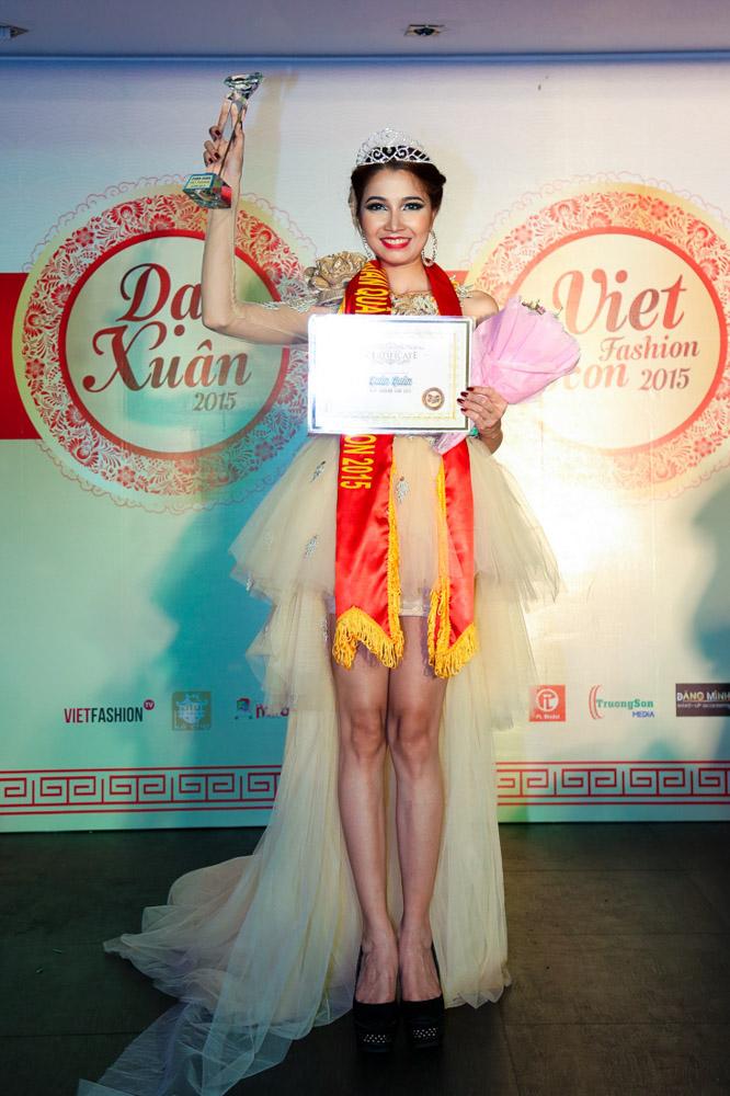 Sôi động cùng Gala trao giải Viet Fashion Icon 2015
