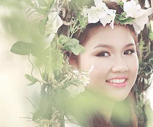 Trang điểm cô dâu mùa hè