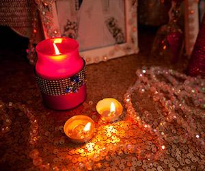 Ý tưởng trang trí bàn gallery cho đám cưới thêm ấm cúng